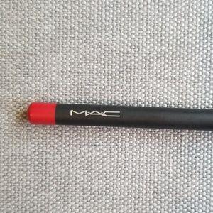 "MAC ""Cherry"" Lipliner"